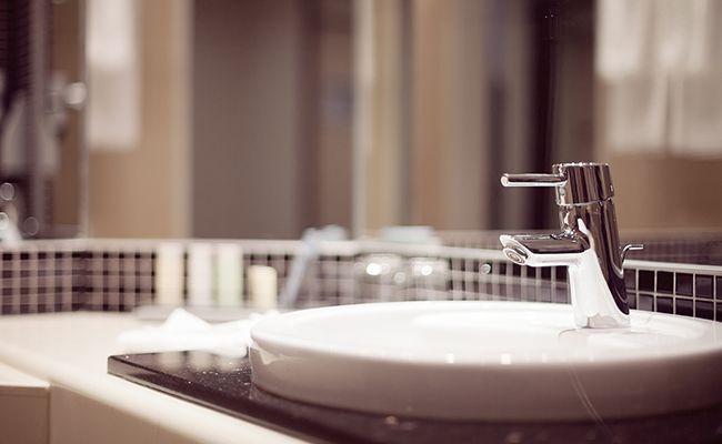洗面化粧台の交換リフォーム(部分交換も可)