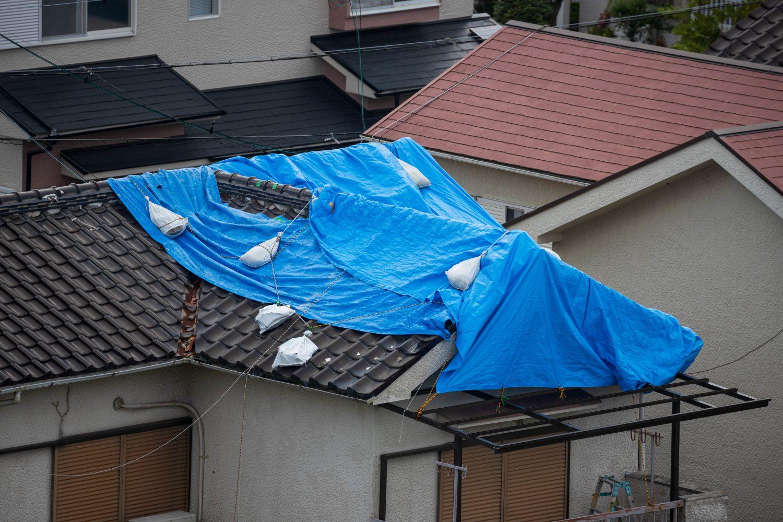 補償対象と必要書類!屋根を修理する際に火災保険を申請する方法