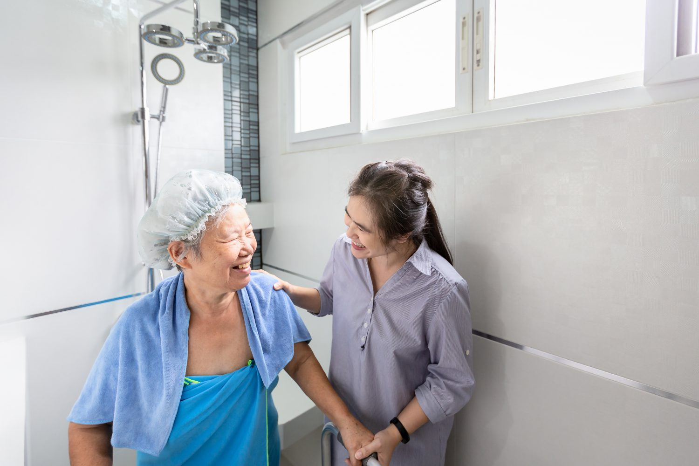 お風呂のバリアフリーリフォームで介護の安全性と効率を高めよう
